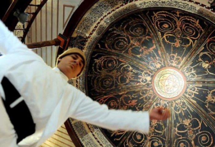 Самым популярным поэтом в США является Джалал ад-Дин ар-Руми