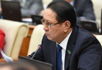 В Казахстане происходит девальвация - депутат Мажилиса