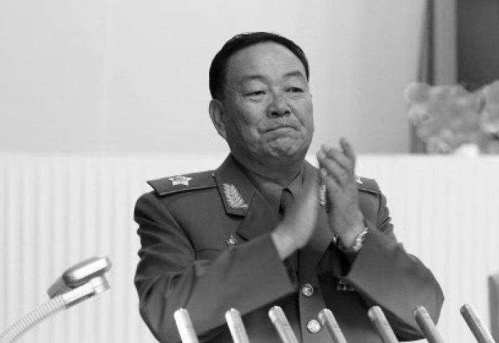 КХДР-да Ким Чен Ынның сөзі кезінде ұйықтап қалған қорғаныс министрі ату жазасына кесілді
