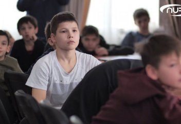 Разное: Эксперимент: детей оставили без телефонов (Видео). Учителя отдохнули в ОАЭ за счет родителей учеников