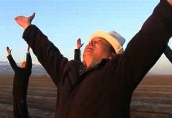 Естімеген елде көп: Қырғызстанда тәңіршілдікті дін ретінде қабылдауды талқылап жатыр