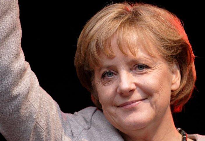 Ангела Меркел Қазақстан елшісімен кездесті
