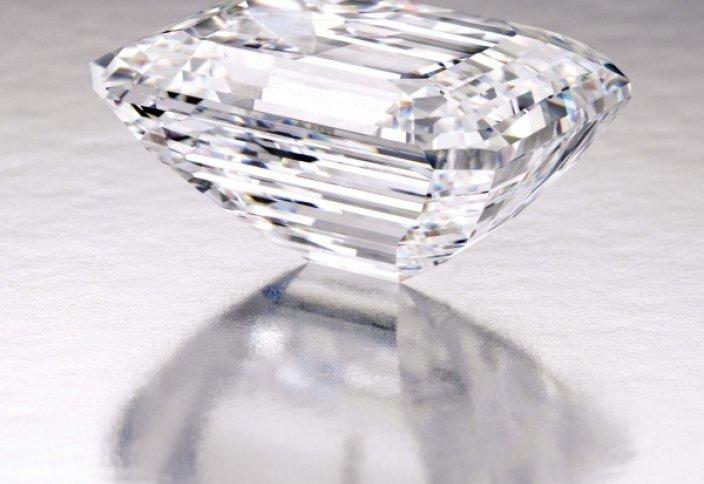 Жаһан жаңалықтары: Мінсіз 100,2-каратты алмас жұртшылықтың назарына ұсынылды